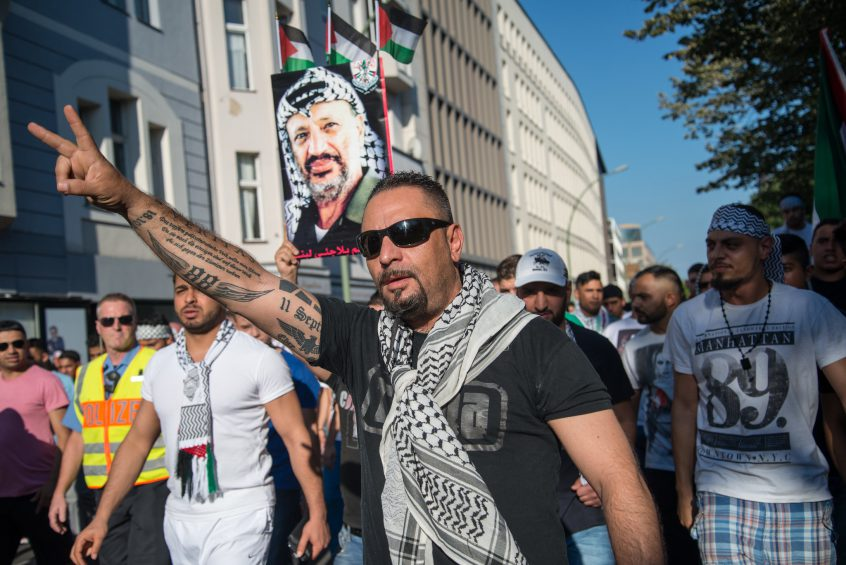 Openly antisemetic protester in Berlin.